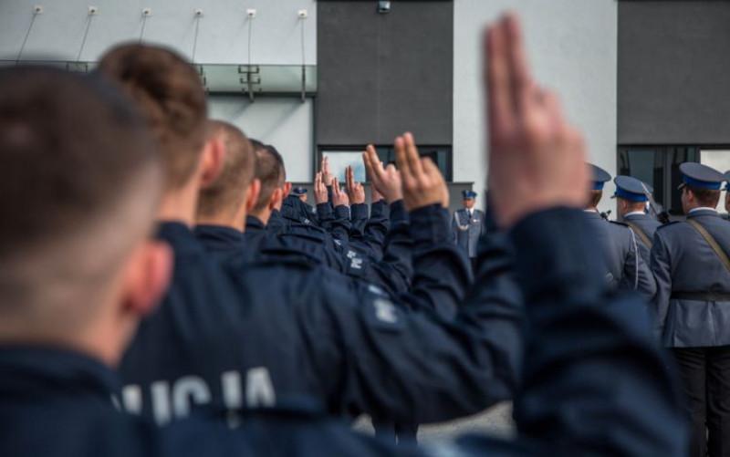 Szkółka Policyjna 2021 - ile trwa szkolenie zawodowe podstawowe w Policji